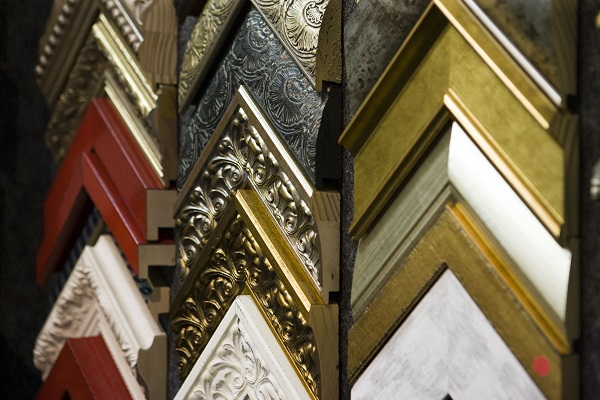 Sgraffito frames on wall